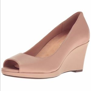 Naturalizer Olivia Peep platform Wedge